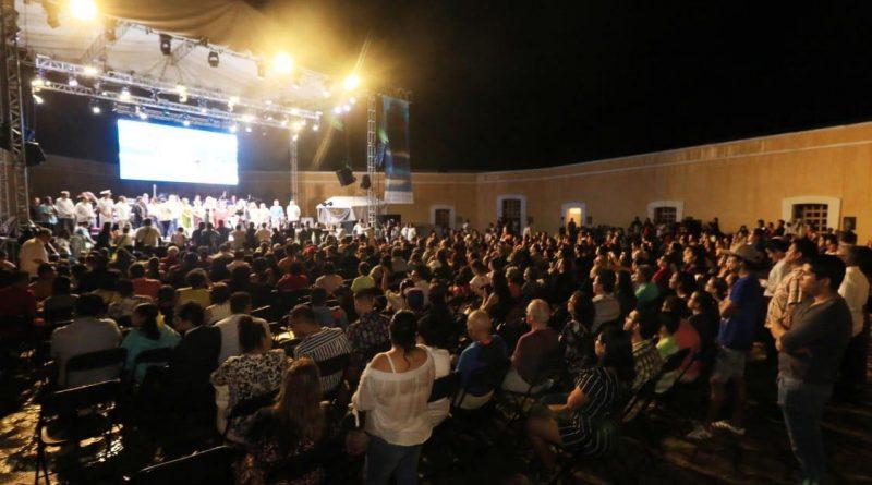Inaugura Adela Román 13 Festival Internacional de La Nao Acapulco