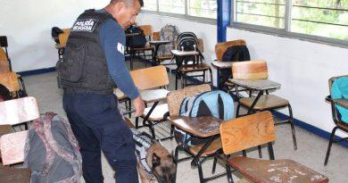 Operación Mochila Segura se llevó a cabo en el Cetis 27.*Uruapan.