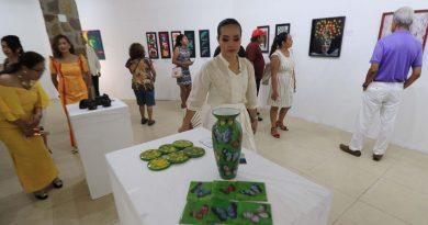*Inauguran muestra pictórica filipina de María Anabel Torres*